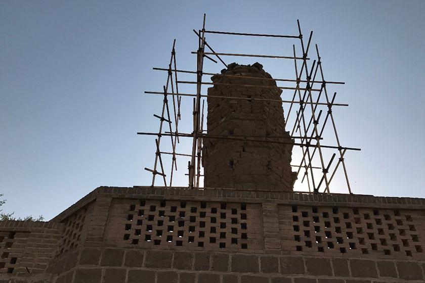 برج کلاه فرنگی؛ برجی اسرارآمیز در قلب سازه های آبی شوشتر