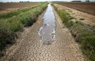 تهی شدن منابع آب و مرگ تدریجی سرزمین