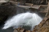 رهاسازی آب سدهای حوضهآبریز به دریاچه ارومیه ادامه مییابد