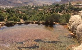 چشمه های آب درمانی و قندیل های آهکی سنگرود رودبار