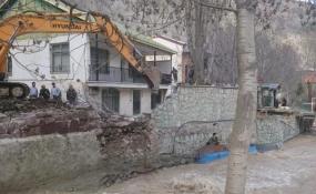 رفعتصرف 1000 متر مربع از بستر رودخانه جاجرود