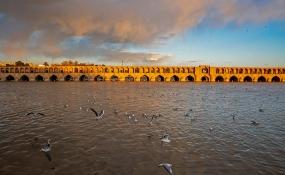 آب جاری در زایندهرود منحصر به محیط زیست است