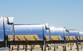 ابداع یک آب شیرینکن که با انرژی خورشیدی کار میکند