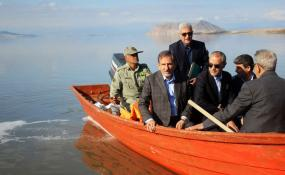 احیای دریاچه ارومیه حتما انجام میگیرد و این موضوع نمیتواند از دستور کار دولت ایران خارج شود