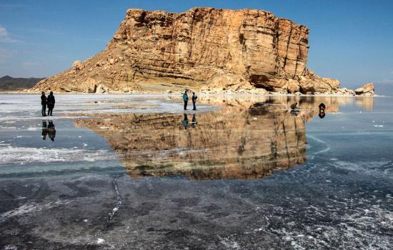 تراز  دریاچه ارومیه نسبت به چهار سال گذشته بالاتر رفته است